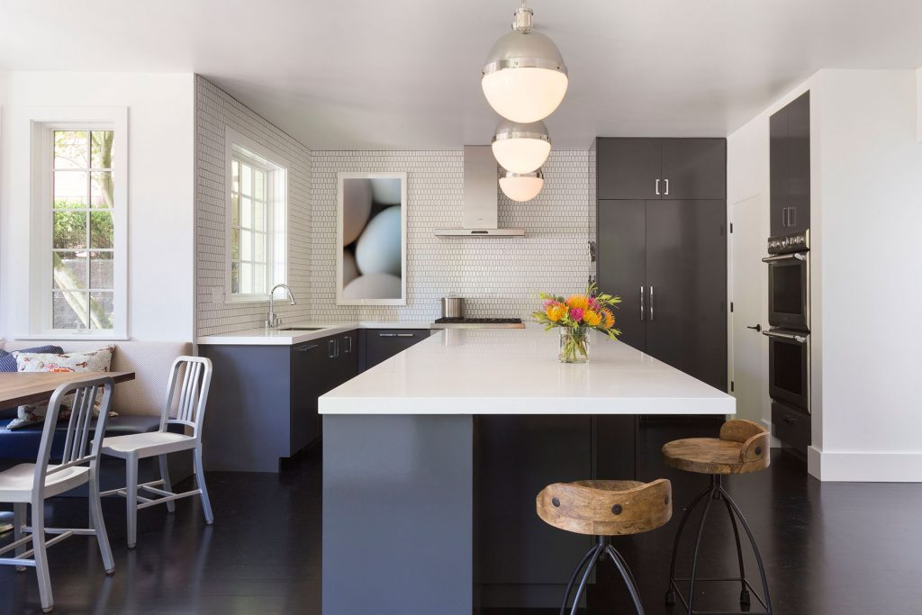 super-white-honed-install-2-credit-to-designed-by-ann-lowengart-interiors